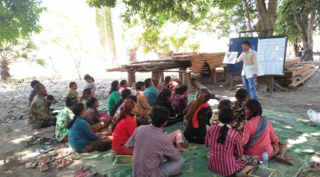 Training on Chicken rearing to FHHD at Anlong Saam village (1)